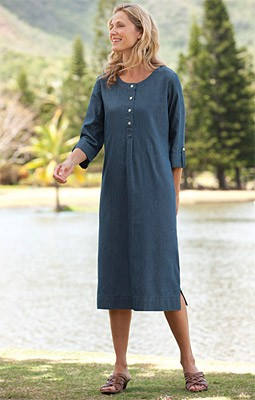 Cotton/Tencel Denim Henley Dress Just right for carefree Saturdays, our silky-smooth cotton-and-Tencel-denim shirtdress for women has an extremely comfortable fit and feel. Henley neckline, three-quarter sleeves with stitched-down roll tabs. Side-seam poc